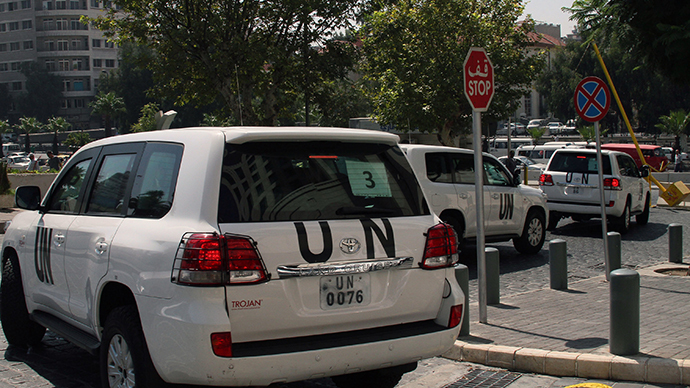 A convoy of United Nations (UN) vehicles leave a hotel in Damascus on August 26, 2013 carrying UN inspectors travelling to the site of a suspected deadly chemical weapon attack the previous week in Ghouta, east of the capital. (AFP Photo)