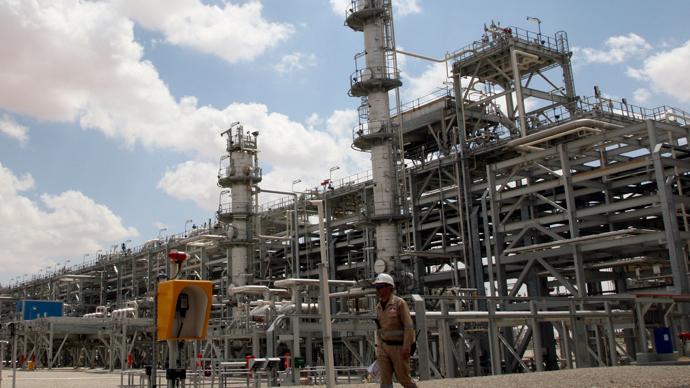 A worker walks in the Ebla natural gas plant near Homs, northeast of Damascus (Reuters / Khaled al-Hariri)