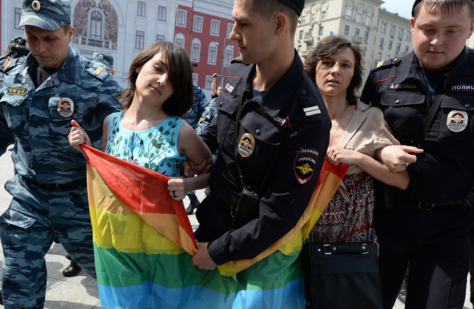 Police apprehend participants of an unauthorized rally held by gay activists next to Yury Dolgoruky monument on Tverskaya Square in Moscow. (RIA Novosti/Alexey Filippov)