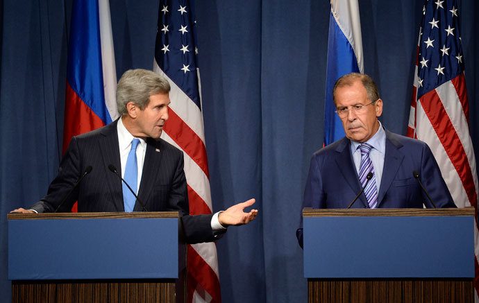 US Secretary of State John Kerry (L) and Russian Foreign minister Sergey Lavrov ®.( AFP Photo / Philippe Desmazes)