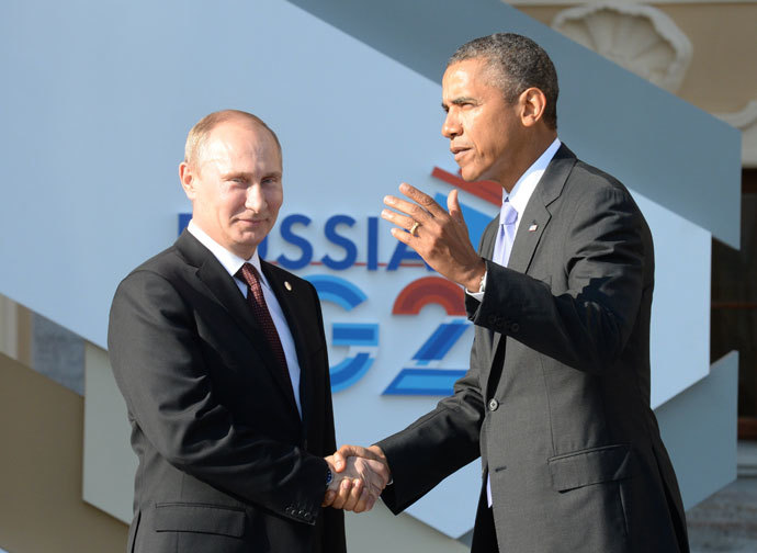Russia's President Vladimir Putin (L) welcomes US President Barack Obama at the start of the G20 summit on September 5, 2013 in Saint Petersburg. (AFP Photo / Yuri Kadobnov)