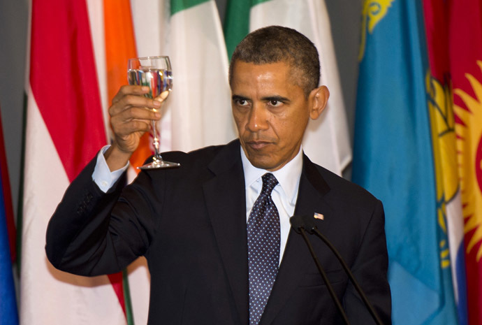 US President Barack Obama proposes a toast during a luncheon at the 68th Session of the United Nations General Assembly September 24, 2013 at the United Nations in New York. (AFP Photo/Don Emmert)