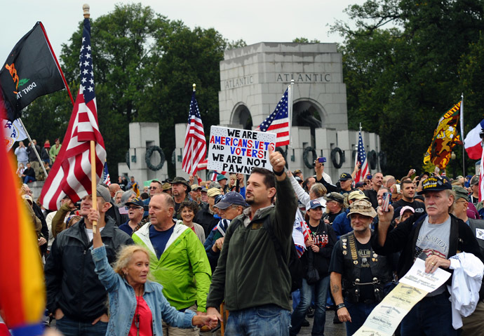 US veterans take part in a demonstration at the World War II Memorial in Washington, DC on October 13, 2013 demanding for an end of US federal government shutdown. (AFP Photo/Jewel Samad)