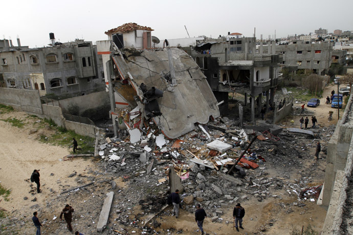 A general view shows the destruction after an Israeli air strike on a building in the northern Gaza Strip refugee camp of Jabalia on March 12, 2012. (AFP Photo)