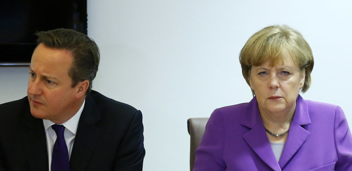 Britain's Prime Minister David Cameron (L) and Germany's Chancellor Angela Merkel (Reuters/Yves Herman)