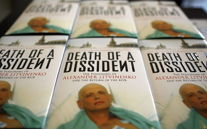 "Copies of the book ""Death of a Dissident"" by Alex Goldfarb and Marina Litvinenko (AFP Photo / Leon Neal)"