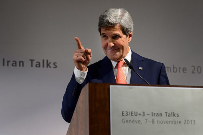 US Secretary of State John Kerry gestures during a press conference closing three days of talks on Iran's nuclear programme, on November 10, 2013 in Geneva. (AFP Photo / Fabrice Coffrini)