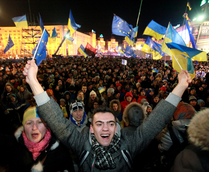Protest against the decision of the Ukrainian government to suspend integration with the EU, on Independence Square in Kiev. (RIA Novosti / Pyotr Zadorozhnyi)
