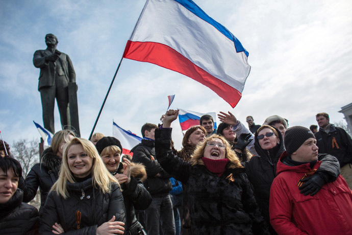 Participants of the rally in support of the referendum on the status of Crimea are seen on the square near the Council of Ministers building in Simferopol. (RIA Novosti)