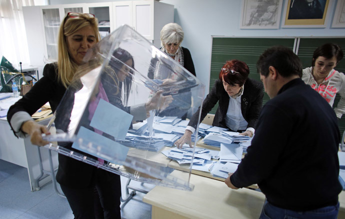 Officials prepare to count ballots at a polling station during the municipal elections in Ankara March 30, 2014. (Reuters)