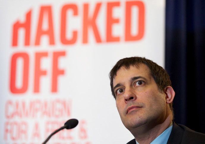 British Liberal Democrat politician Evan Harris attends a Hacked Off press conference in London.(AFP Photo / Andrew Cowie )
