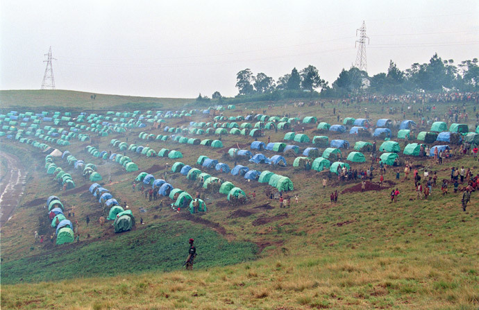 Rwandan Tutsi refugee camp pictured on April 30, 1994, in Niashishi, in south Rwanda, where more than eight thousands Tutsi are gathered under the protection of French soldiers. (AFP Photo / Pascal Guyot)