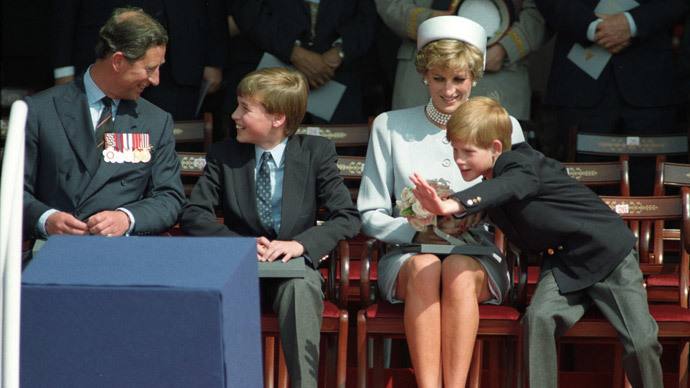 The Prince of Wales, Prince William, Princess Diana and Prince Harry attend the Heads of State ceremony in Hyde Park to commemorate the 50th Anniversary of VE Day in Hyde Park May 7, 1995.(Reuters / Dylan Martinez DM)