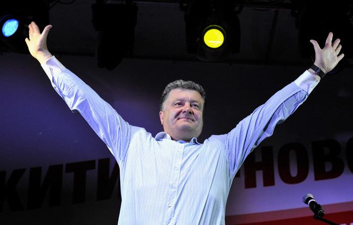 Ukrainian businessman, politician and presidential candidate Petro Poroshenko addresses supporters in Cherkasy, central Ukraine, May 20, 2014. (Reuters/Mykola Lazarenko)