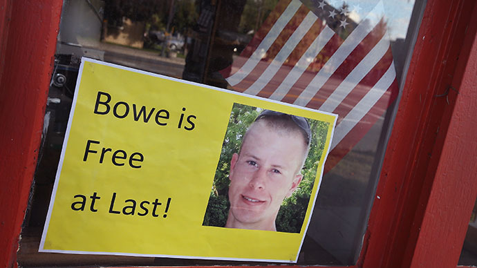 A sign announcing the release of Sgt. Bowe Bergdahl sits in the window of the Hailey Paint and Supply store on Main Street June 1, 2014 in Hailey, Idaho. (AFP Photo / Scott Olson)