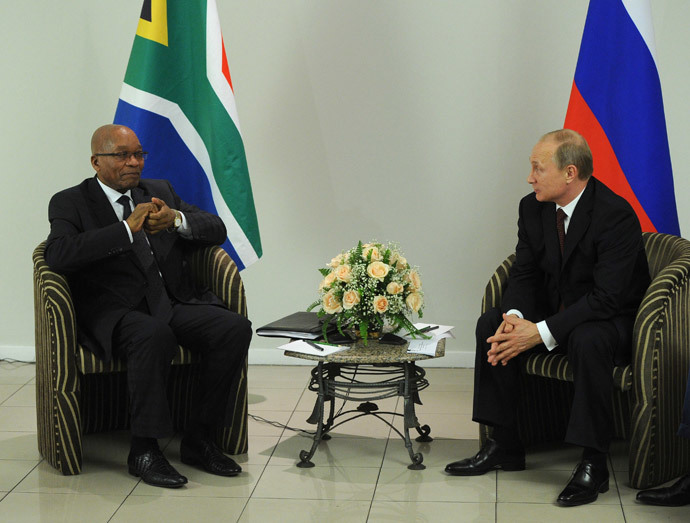 Russian President Vladimir Putin (R) and Jacob Zuma, President of the Republic of South Africa, meet in the city of Fortaleza on July 14, 2014. (RIA Novosti / Michael Klimentyev)