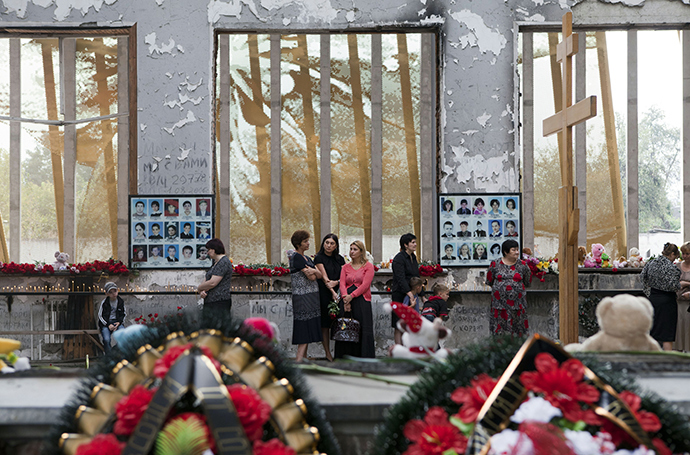 Commemorative events in memory of the September 1, 2004 terrorist attack took place in Beslan (Reuters / Anton Podgaiko)