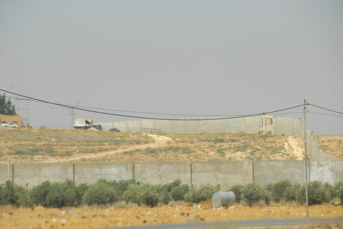 Hidden camera Jordan - Syrian border (Photo by Andre Vltchek)