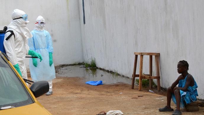 Ebola crisis response: Cuba sends doctors, US deploys troops
