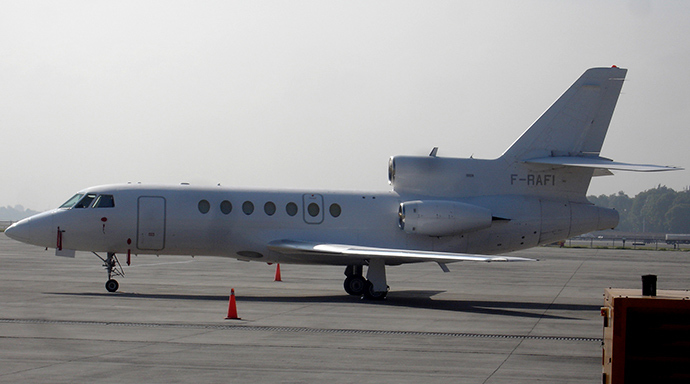 A French Falcon 50 plane (Reuters / Andres Rojas)