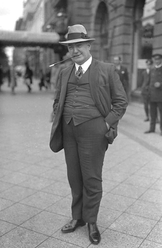 Edgar Wallace (Image from wikipedia.org)