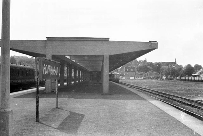 Portishead railway station in 1960 (Photo from wikipedia.org)