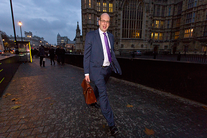 UK Independence Party (UKIP) MP Mark Reckless leaves the Houses of Parliament in London on November 21, 2014 (AFP Photo / Justin Tallis)