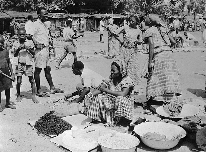 Picture released in 1955 of Congolese street saleswomen in the former Belgian Congo (Congo Belge), now called Democratic Republic of the Congo (DRC), a colony of Belgium between King Leopold II's formal relinquishment of personal control over the state to Belgium on 15 November 1908, and the dawn of Congolese independence on 30 June 1960. (AFP Photo)