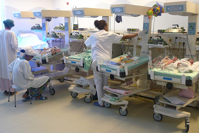 Incubator for prematurely born babies (Photo by Andre Vltchek)