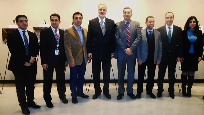 Ambassador al-Ja'afari with Syrian-Americans at an exhibition at the UN. Photo by Eva Bartlett