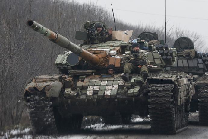 Fighters of the self-proclaimed Donetsk People's Republic in Uglegorsk, Donetsk region on February 6, 2015. (Reuters / Maxim Shemetov)