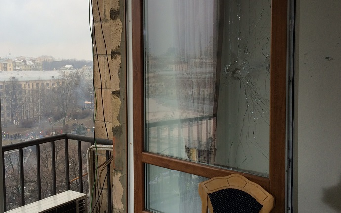 The shot hit the room, where RT had its live position. Kiev, February 2014. Photo by RT's Aleksey Yaroshevsky
