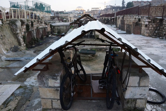 Palestinians keep their bikes in air ducts of the old market (Photo by Nadezhda Kevorkova)