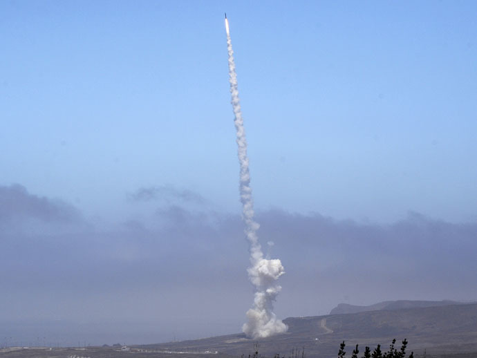 A flight test of the exercising elements of the Ground-Based Midcourse Defense (GMD) system is launched by the 30th Space Wing and the U.S. Missile Defense Agency at the Vandenberg AFB, California June 22, 2014. (Reuters/Gene Blevins)