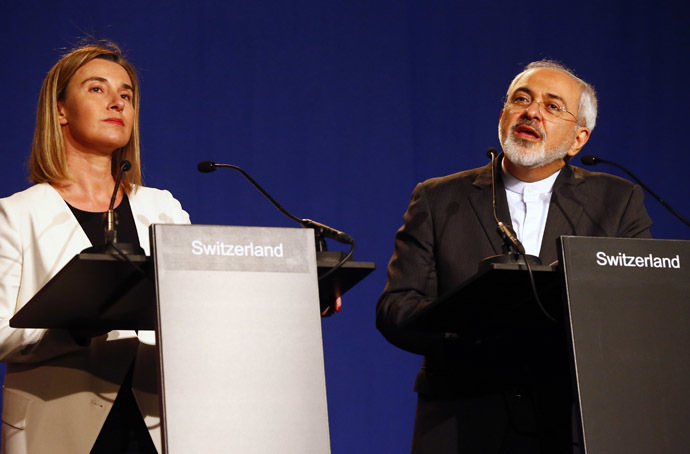 Iran's Foreign Minister Javad Zarif addresses during a joint statement with EU foreign policy chief Federica Mogherini (L) in Lausanne April 2, 2015. (Reuters/Ruben Sprich)
