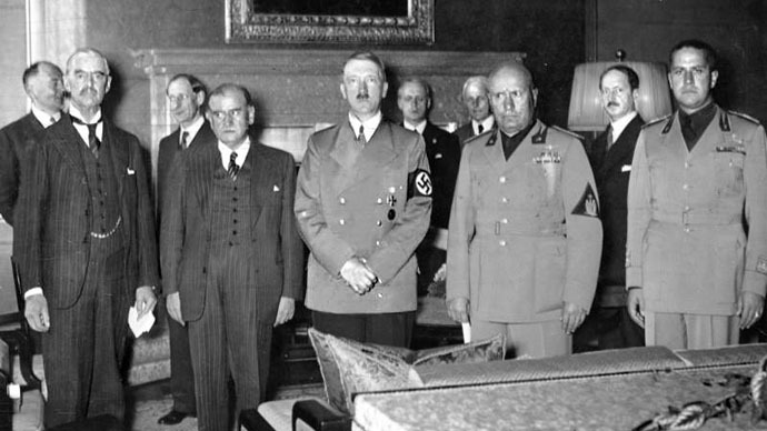 From left to right: Chamberlain, Daladier, Hitler, Mussolini, and Ciano pictured before signing the Munich Agreement, which gave the Sudetenland to Germany. (Photo from Wikipedia.org)