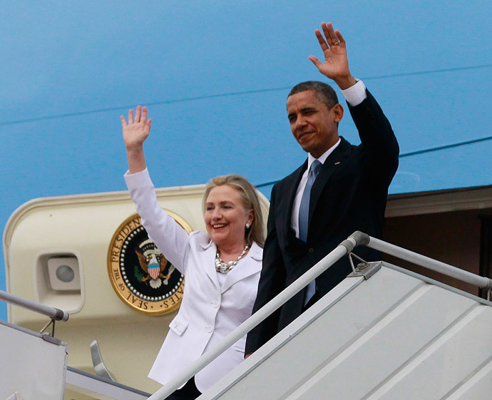 Barack Obama and Hillary Clinton (Reuters / Jason Reed)