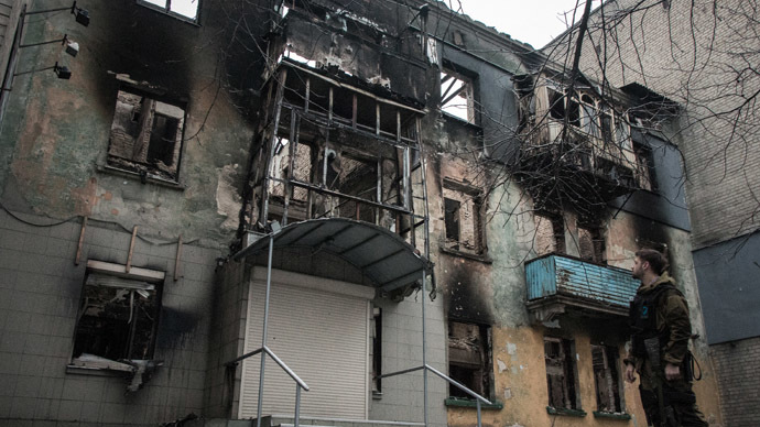 An apartment building in Debaltsevo destroyed by shelling. (RIA Novosti/John Trast)