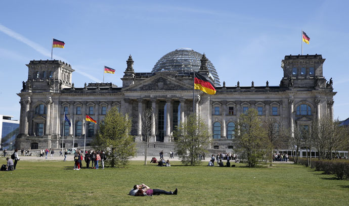 The Reichstag building, the seat of the German lower house of parliament Bundestag (Reuters/Fabrizio Bensch)