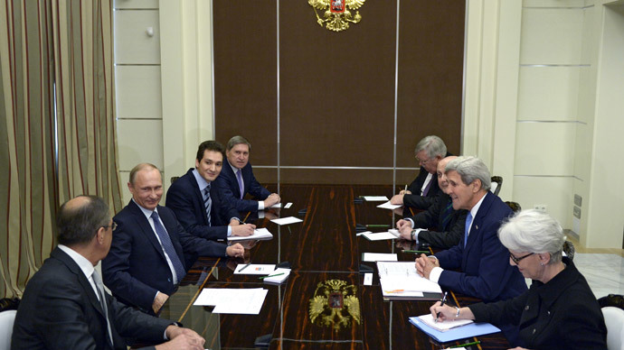 Russian President Vladimir Putin (second left) meeting with US Secretary of State John Kerry (second right) at the Bocharov Ruchei residence in Sochi, May 12, 2015.(RIA Novosti / Aleksey Nikolskyi)
