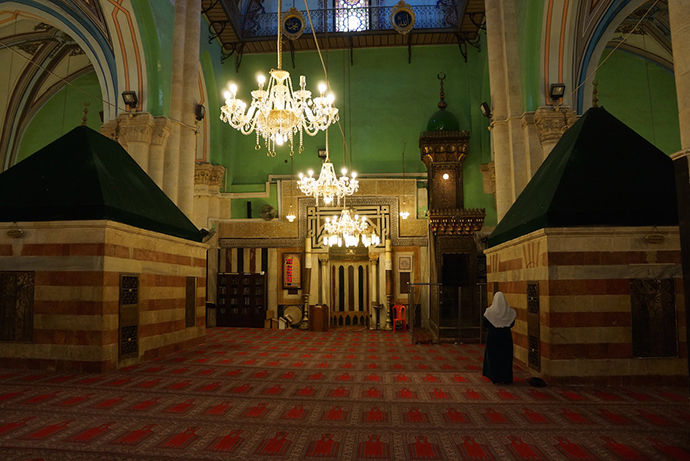 The Muslim part of the Ibrahimi Mosque, where Goldstein opened fire on people praying in 1994 (Photo by Nadezhda Kevorkova)
