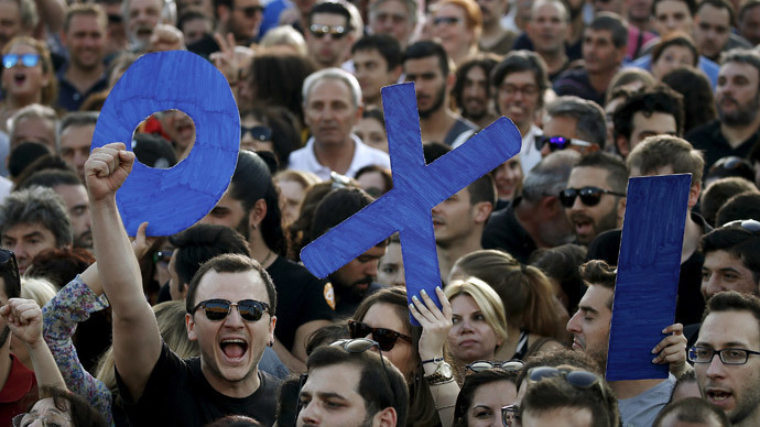Demonstrators hold up letters spelling the word 'No' in Greek during an anti-austerity rally in Syntagma Square in Athens, July 3, 2015.(Reuters / Yannis Behrakis)