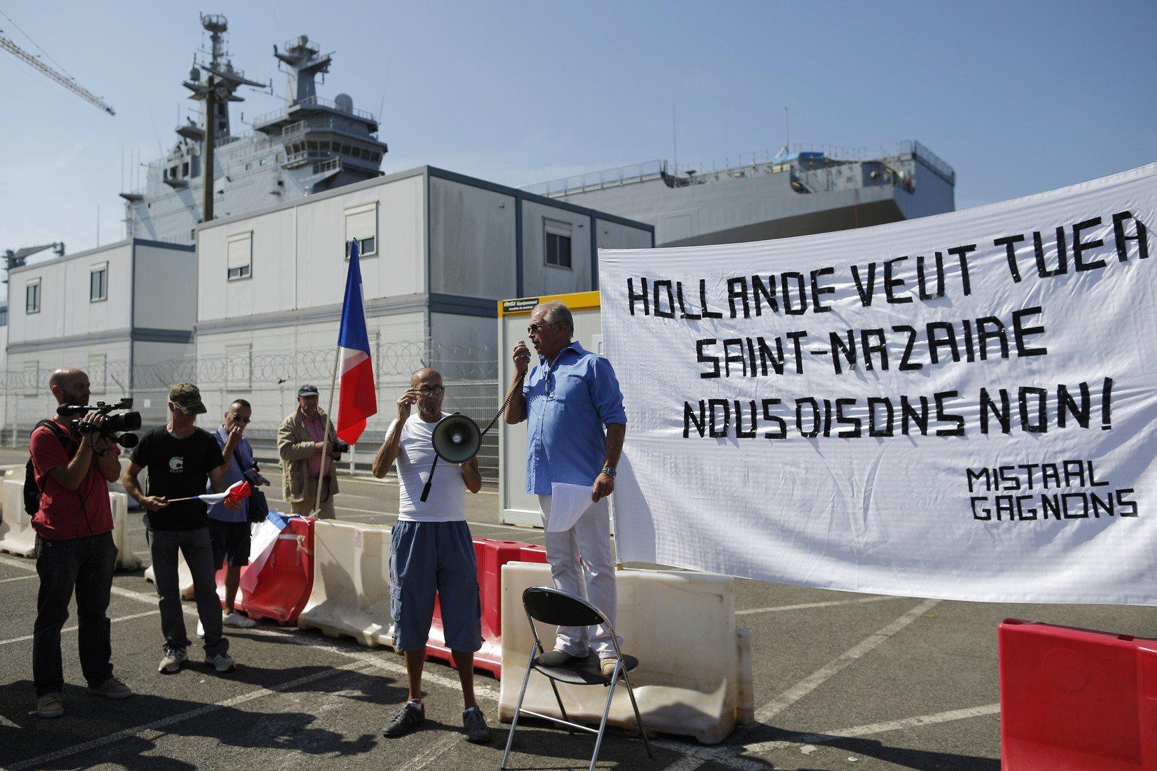 Le manifestation pour la livraison des navires Mistral à Saint-Nazaire (REUTERS/Stephane Mahe)