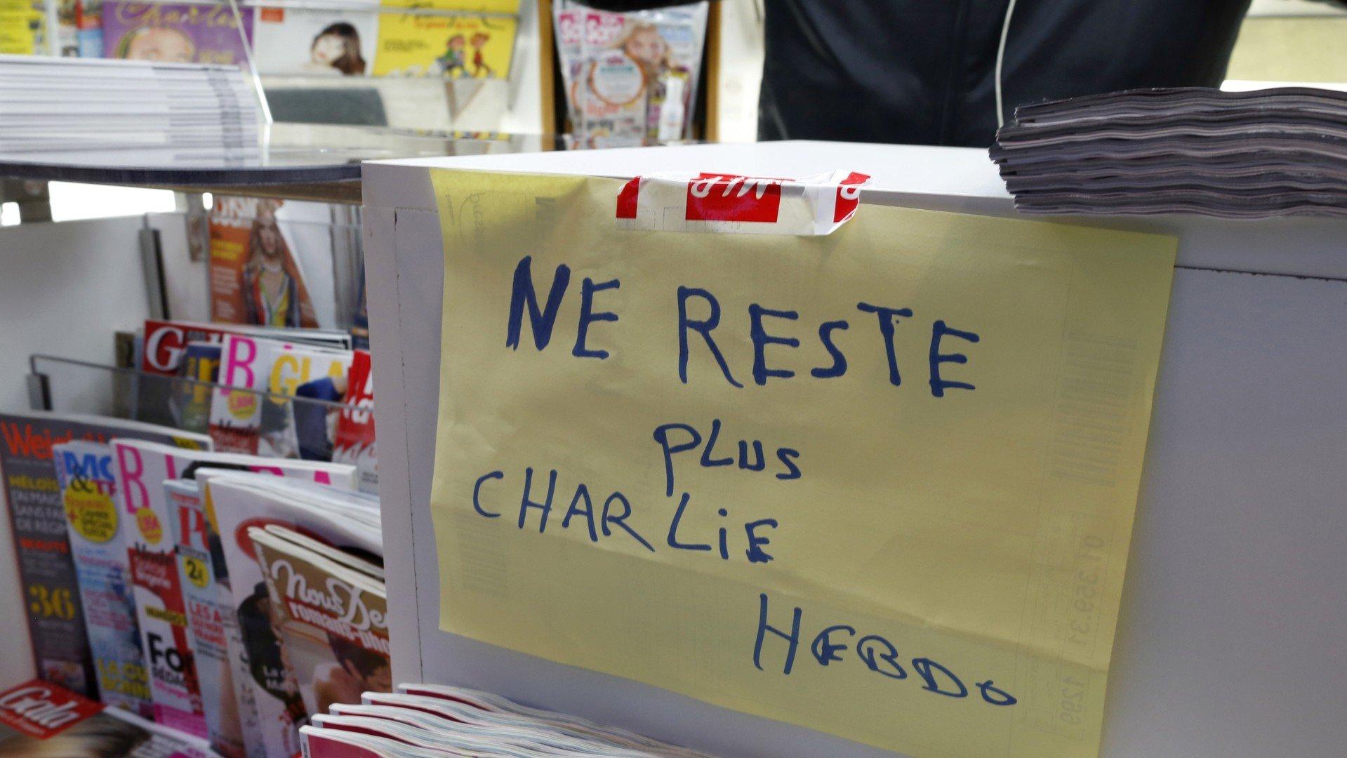 La devanture d'un kiosque à Paris le 14 janvier 2015.