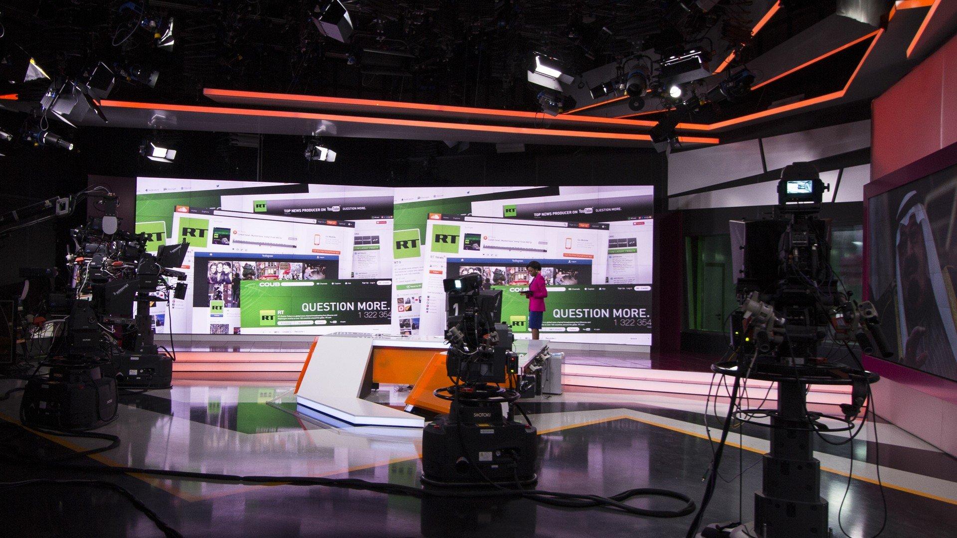 Le studio de la chaîne de télévision RT International.