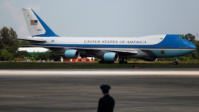 L'avion Air Force One. (Reuters / Soe Zeya Tun)