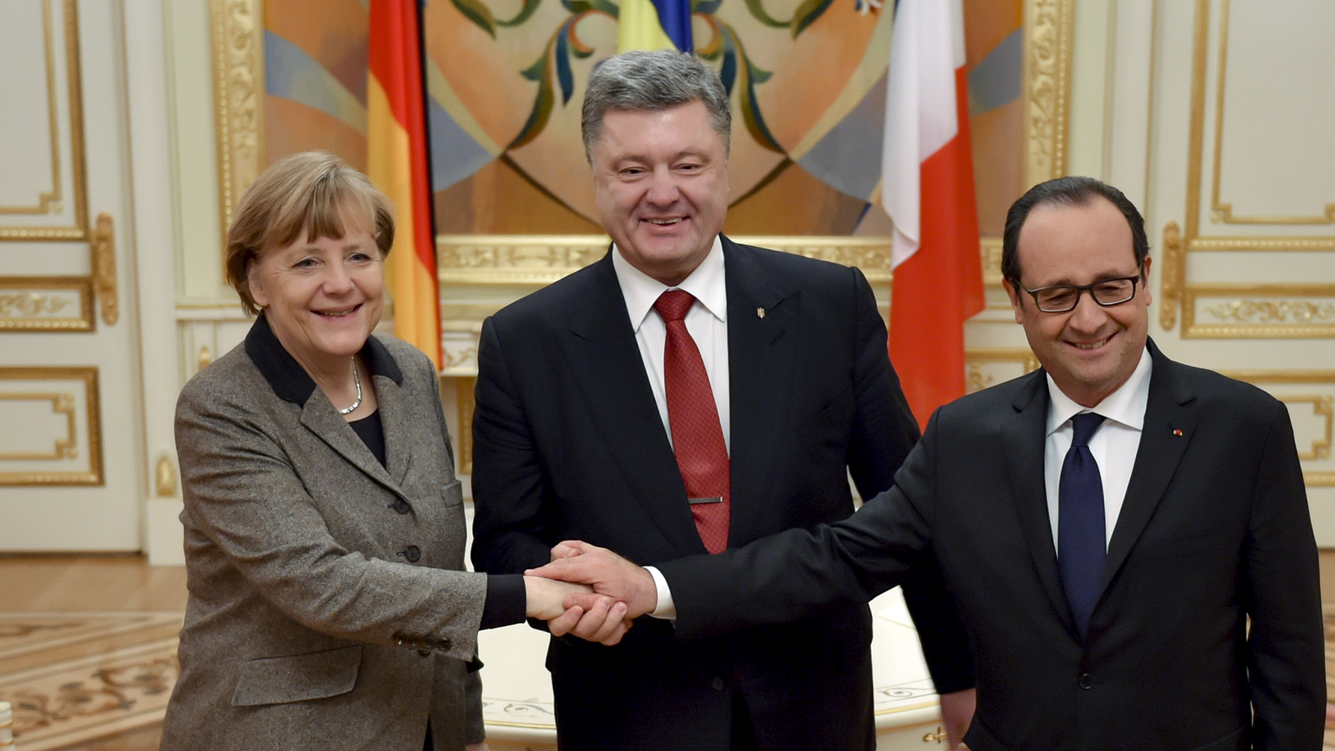 Hollande et Merkel à Moscou pour présenter un nouveau plan de paix pour l'Ukraine