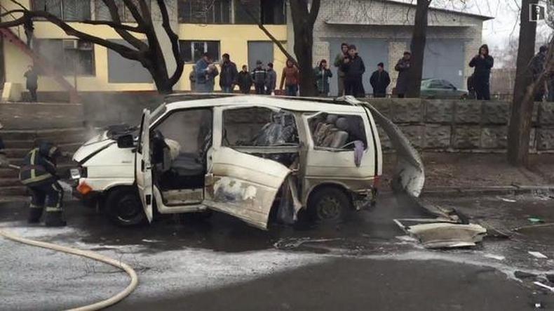 kharkov une voiture explose douze jours apr s l attentat contre une manifestation video rt. Black Bedroom Furniture Sets. Home Design Ideas