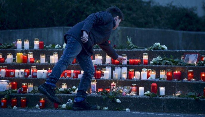 «Le jour le plus sombre» : une école allemande pleure ses élèves morts dans l'accident du vol 4U2592