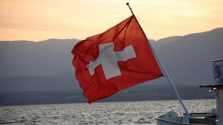 Drapeau suisse. Source : Wikimedi Commons
